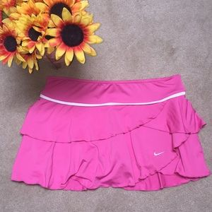 🌻NIKE DRI FIT ATHLETIC LAYERED SKIRT SIZE LARGE🌻